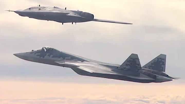 Rus saldırı İHA'sı, Su-57 savaş uçağı ile birlikte ilk müşterek uçuşunu gerçekleştirdi