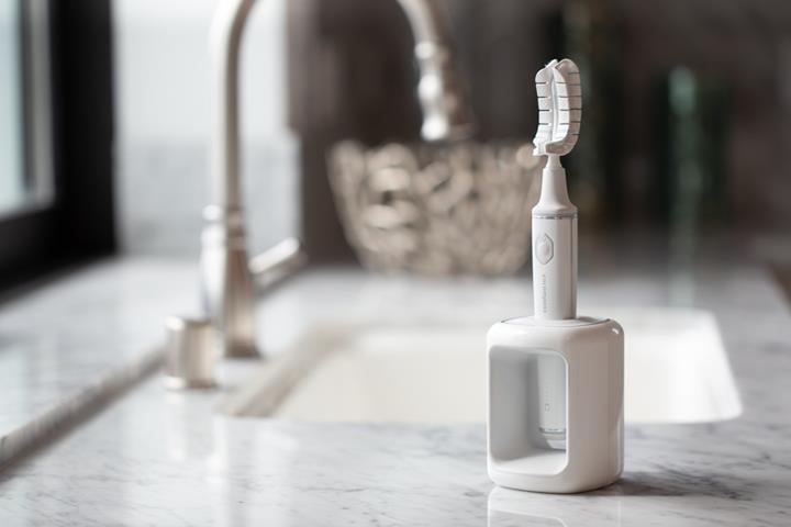 Yeni diş fırçası tüm dişleri 20 saniyede fırçalıyor