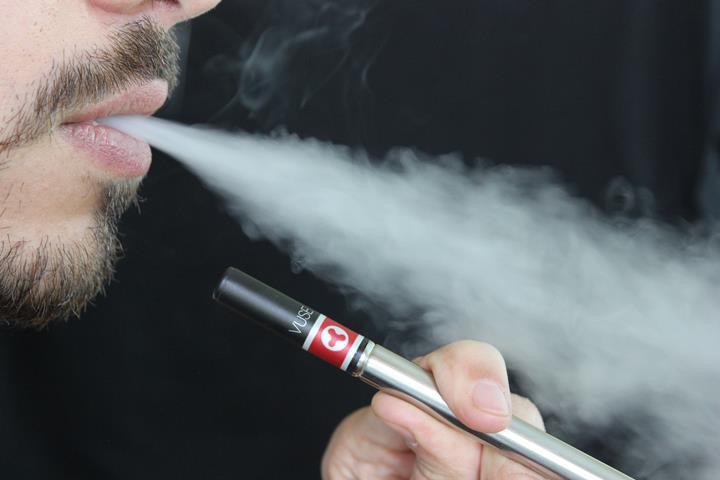 Sağlık Bakanı açıkladı: Elektronik sigara tamamen yasaklanıyor!