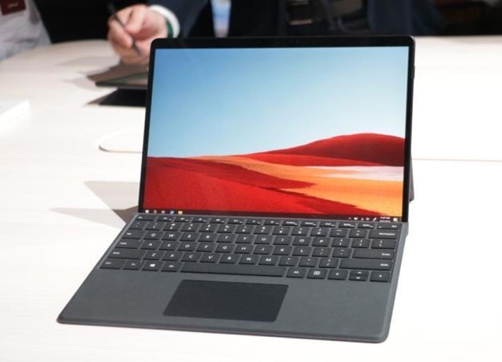Özel ARM işlemcili Surface Pro X duyuruldu