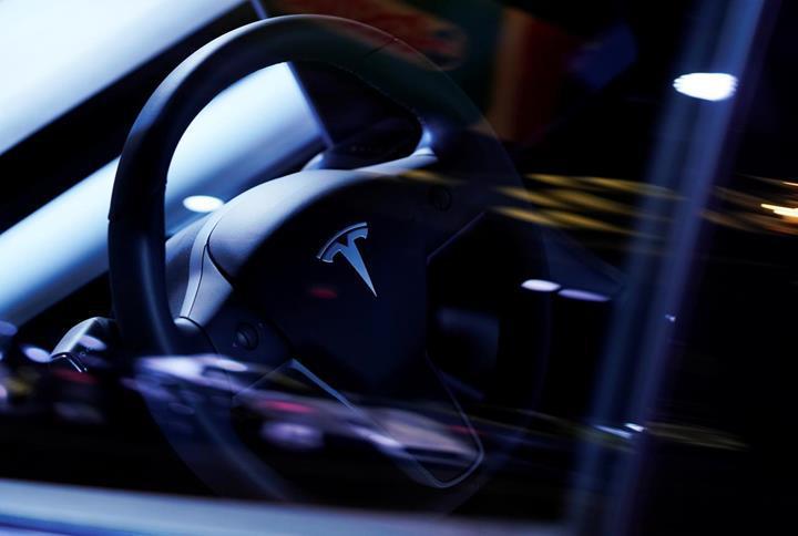 2 bin Tesla otomobil batarya problemi yüzünden geri çağrılabilir