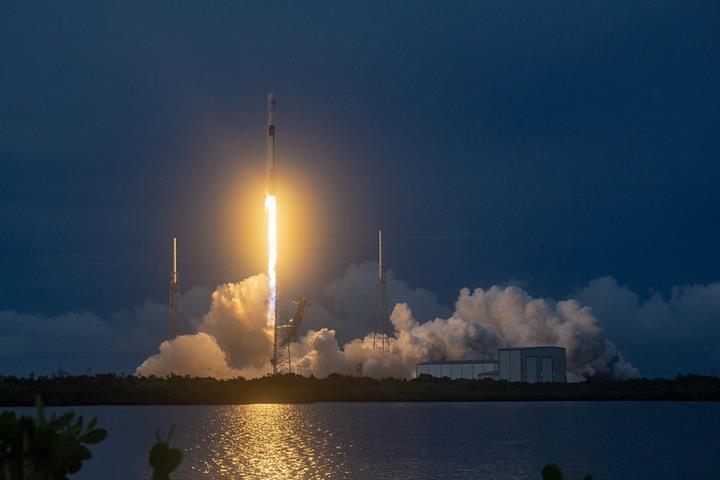 SpaceX, onlarca yeni Starlink uydusunu uzaya fırlatmaya hazırlanıyor