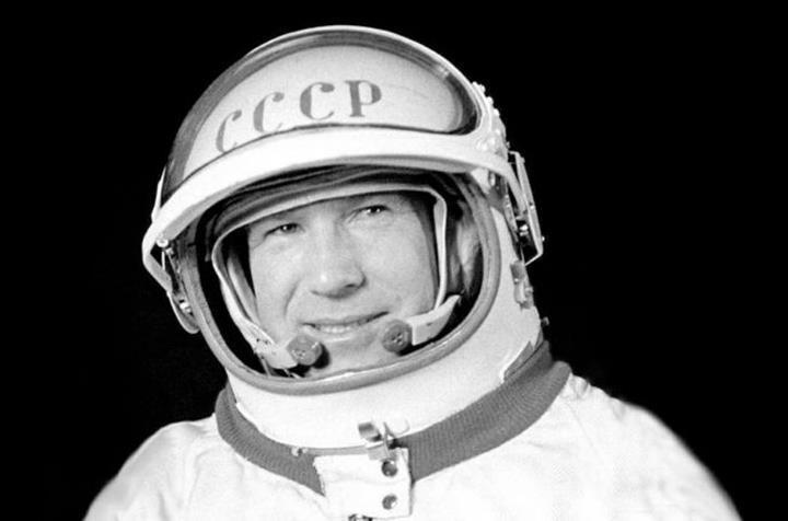 Uzayda yürüyen ilk insan Alexei Leonov, hayatını kaybetti