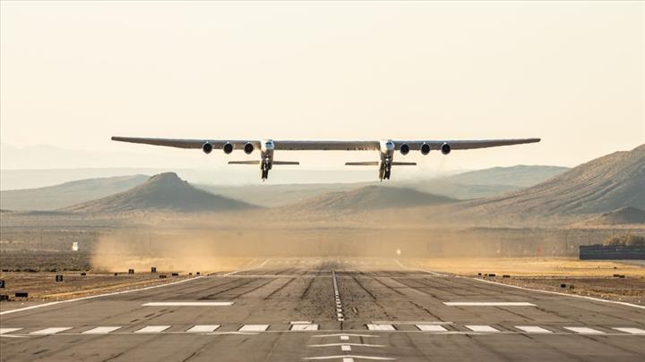 Dünya'nın en büyük uçağını üreten Stratolaunch el değiştiriyor