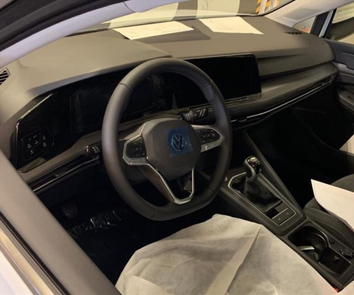 Yeni Volkswagen Golf'ün kokpitinden ilk görüntü geldi