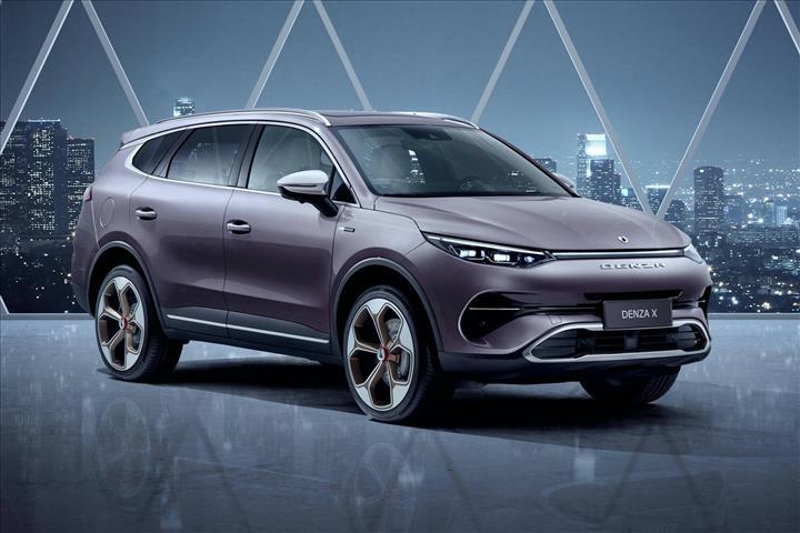 Mercedes'in Çinli marka için tasarladığı elektrikli SUV: Denza X