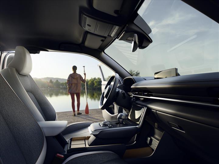 Mazda'nın ilk tam elektrikli otomobili tanıtıldı: Mazda MX-30