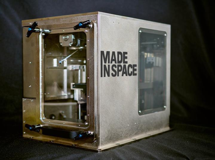 UUİ'ye gönderilecek yeni makine, istasyondaki üç boyutlu yazıcıya hammadde sağlayacak