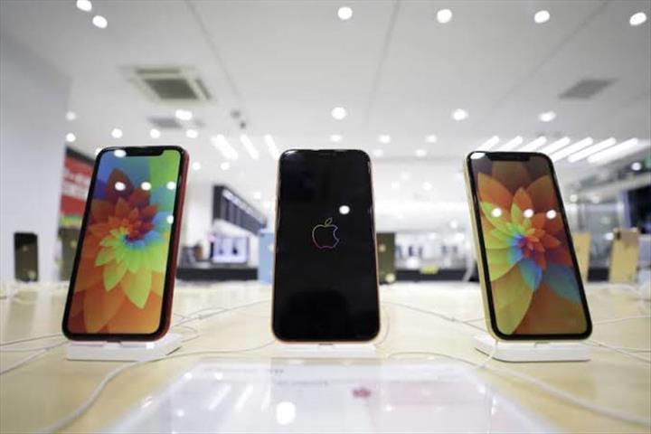 Apple'dan tedarikçisi Japan Display'e hayat öpücüğü
