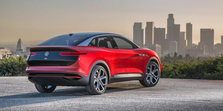 Volkswagen elektrikli otomobil pazarında Tesla'yı geçmeyi hedefliyor