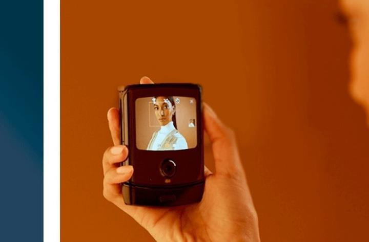 Moto Razr katlanabilir telefonu karşınızda