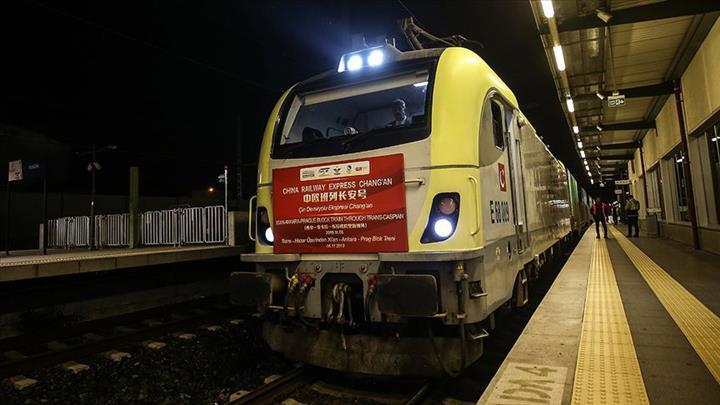 Çin'den gelen yük treni Marmaray ile Avrupa'ya geçti