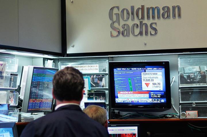 Cinsiyetçilikle suçlanan Goldman Sachs bankası, Apple Card limitlerini gözden geçirecek