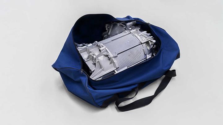 Volkswagen ID.3'ün elektrik motoru bir spor çantasına sığacak kadar küçük