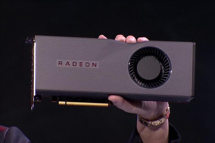 AMD Radeon RX 5300 XT göründü