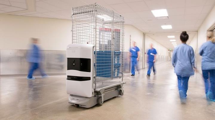 Stanford Üniversitesi'nin yeni açtığı hastanede robotlar, eczacı olarak çalışıyor