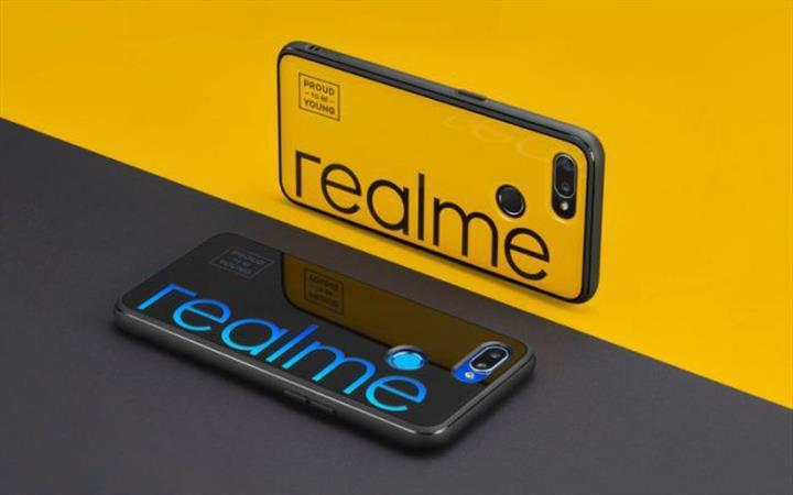 Realme X50 5G çift selfie kamerasıyla geliyor