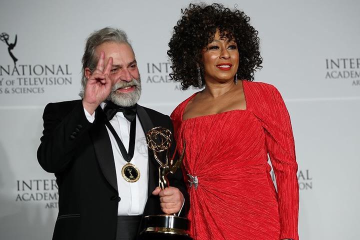 Haluk Bilginer'e büyük onur: Uluslararası Emmy ödülü kazandı