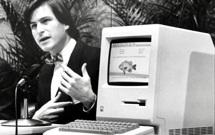 Steve Jobs imzalı Macintosh disketinin tahmini değeri 7500 dolar