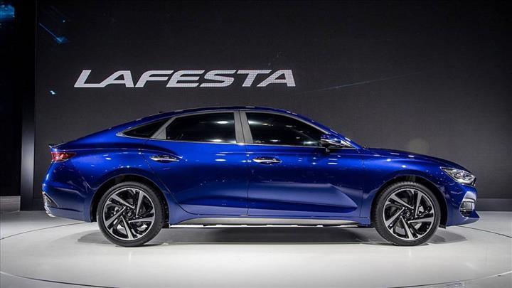 Hyundai, 490 km menzile sahip elektrikli modeli Lafesta EV'yi tanıttı