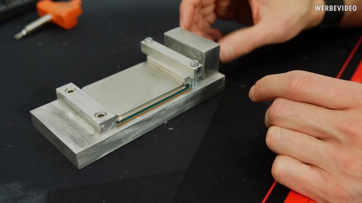 Ryzen Threadripper 3960X delid edildi: direkt yonga soğutması ve 64 çekirdek için devre izi