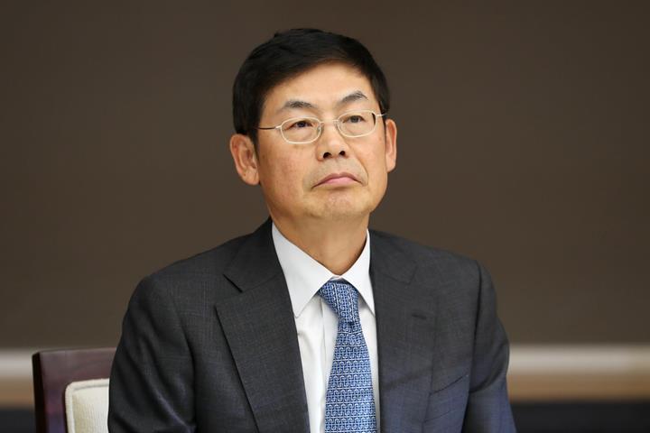 Samsung yönetim kurulu başkanı 18 ay hapis cezasına çarptırıldı