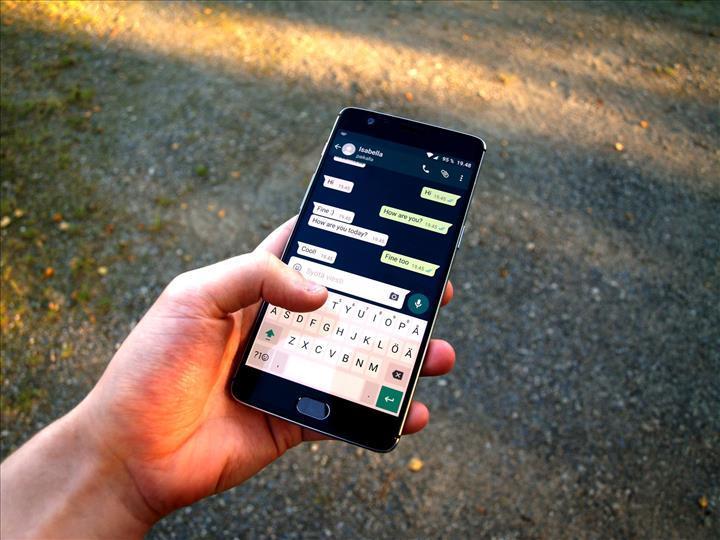 WhatsApp, yılbaşı arifesinde gönderilen 100 milyar mesajla rekor kırdı