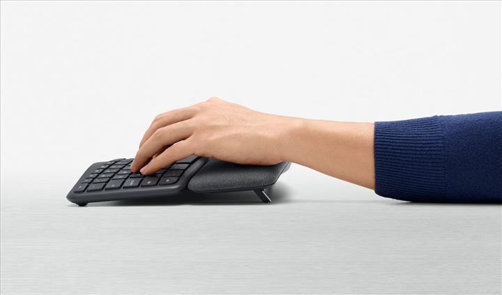 Logitech Ergo K860 klavye ergonomi için tasarlandı
