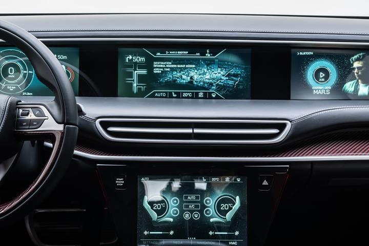 Yerli otomobilin fiyatıyla ilgili yeni açıklama ve hafif ticari araç sürprizi
