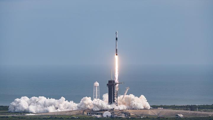 SpaceX, 60 yeni Starlink uydusunu uzaya gönderdi