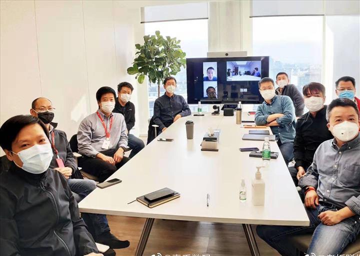 Xiaomi CEO'su koronavirüs salgınının merkez üssüne 90 tonluk uçak gönderdi