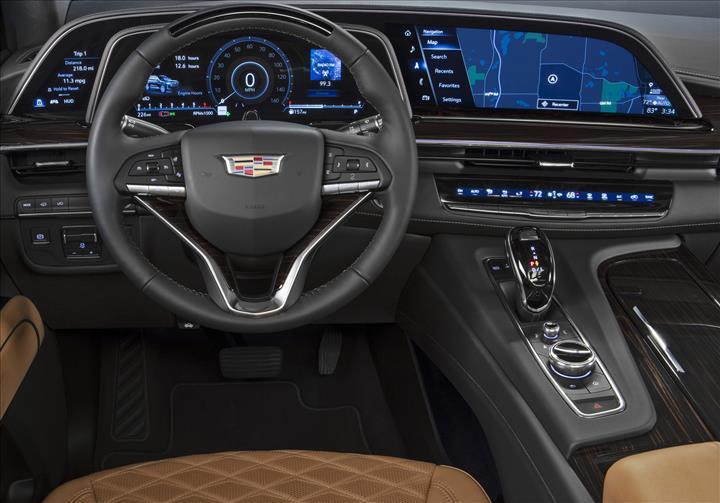 LG'nin kavisli OLED ekranları ilk kez bir araçta kullanıldı: 2021 Cadillac Escalade