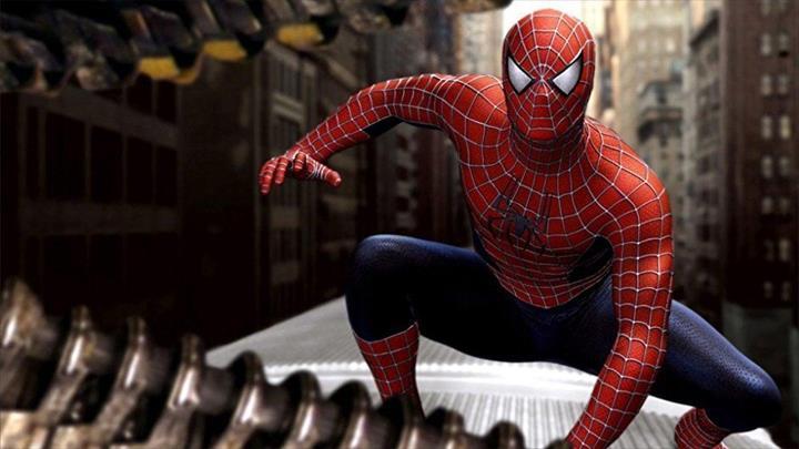 Örümcek Adam filmlerinin efsane yönetmeni Sam Raimi, Marvel'a geri dönüyor