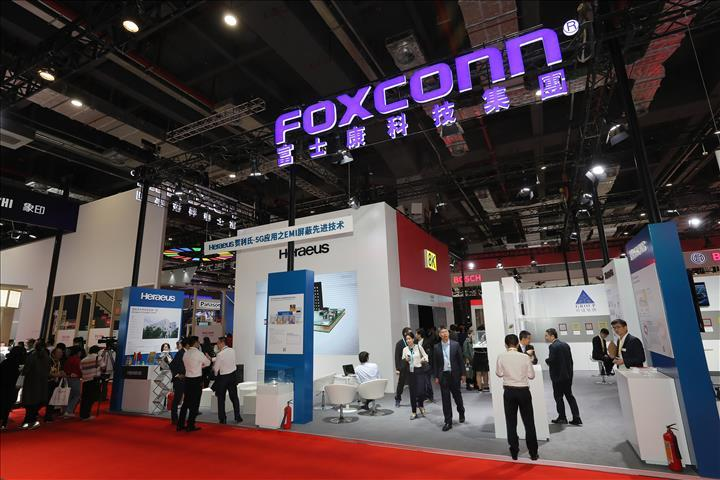 iPhone üreticisi Foxconn, Shenzhen'deki çalışanlarına işe gelmeyin dedi