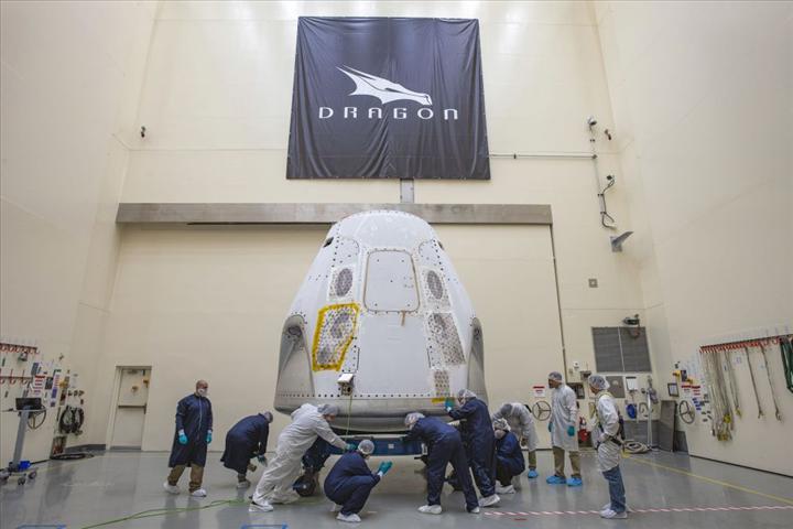 SpaceX nihayet uzaya insan taşımaya başlıyor