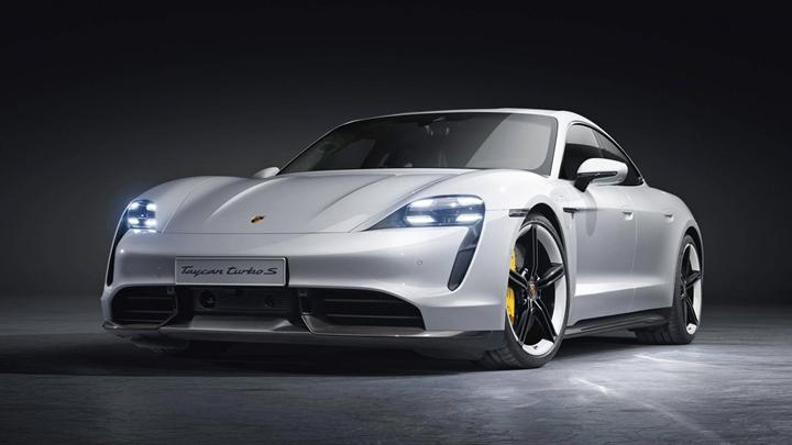 Elektrikli Porsche Taycan alan Bill Gates'e göre en büyük sorun menzil