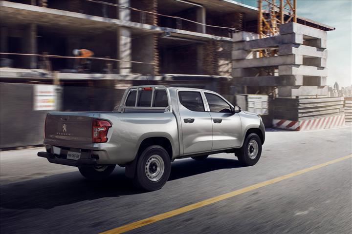 Peugeot yeni pickup modelini tanıttı: Landtrek