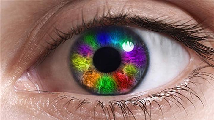 Hastalıkları saptayabilen renk değiştiren kontakt lens geliştirildi