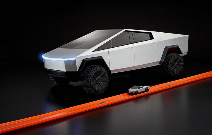 Tesla Cybertruck herkesten önce sizin olabilir, tabii oyuncak olarak