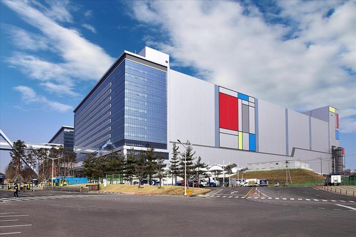 Samsung Electronics, yeni EUV üretim hattında 7nm ve 6nm chipset üretmeye başladı