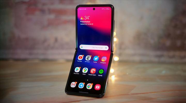 Samsung katlanabilir ekranlarını diğer şirketlere satmak istiyor