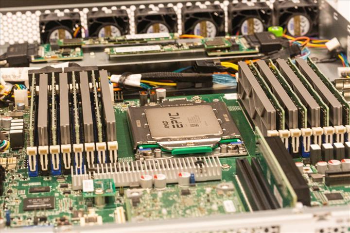Cloudflare yeni sunucularında Intel yerine AMD işlemciler kullanacak