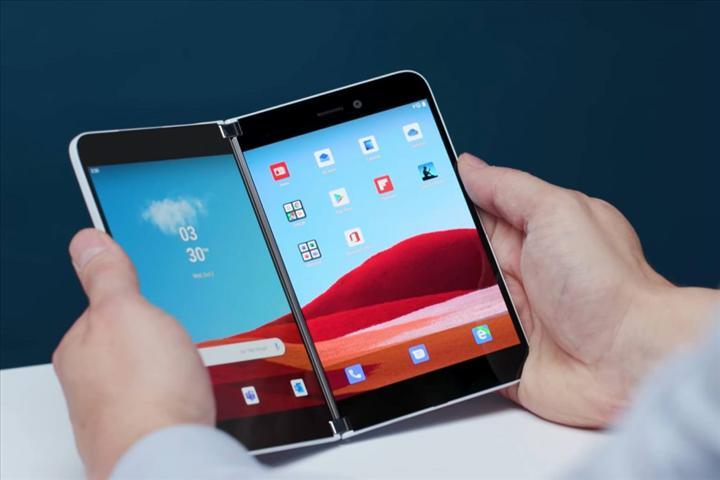 Microsoft Surface Duo beklenenden erken gelebilir