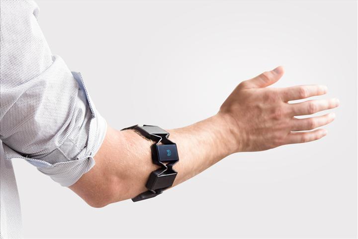 Multipl skleroz hastalarında prognoz takibi yapabilen kol bandı geliştirildi