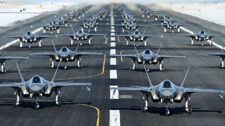 """Elon Musk: """"Savaş uçaklarının devri geçti. Gelecek, dronlarda"""""""