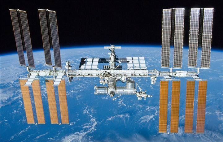 SpaceX seneye Uzay İstasyonu için turist taşımaya başlayacak