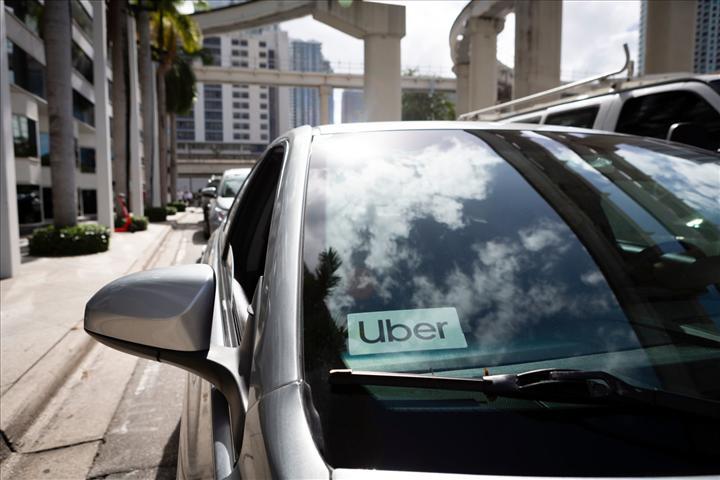 Uber ve Lyft, koronavirüsten etkilenen şoförlerini destekleyecek