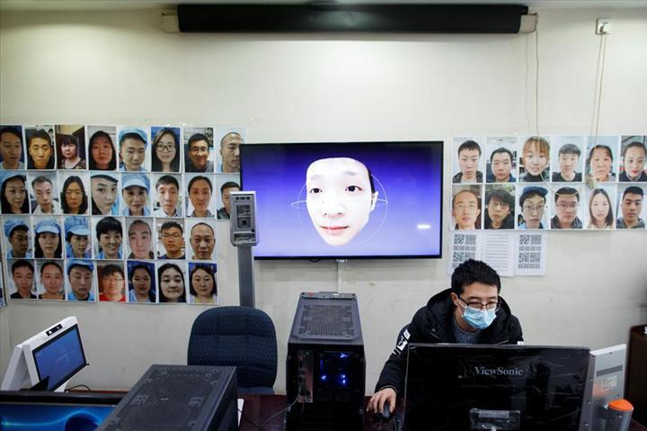 Çinli şirket, Koronavirüs maskesi takan insanların yüzünü tanıyan teknoloji geliştirdi