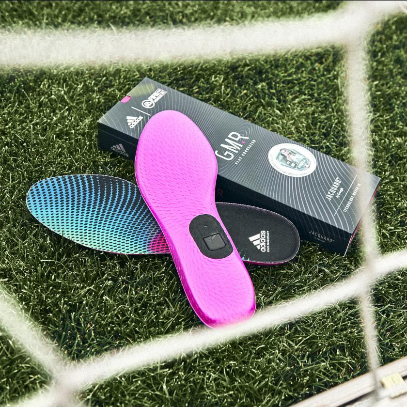 Google ve Adidas akıllı ayakkabı tabanını duyurdu