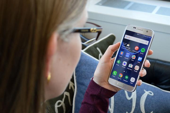 Samsung, müşterilerinin cihazlarını ücretsiz dezenfekte edecek